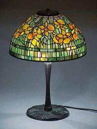 """14"""" Daffodil Tiffany Lamp on Mushroom base"""