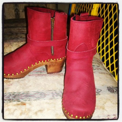 The Philly clog boots