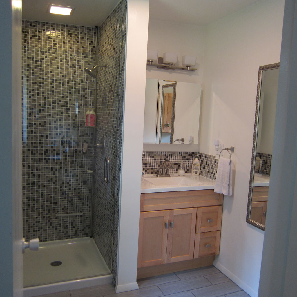 good small bathroom renovation pictures