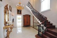 Spring-Cream-Marble-Tiles-Hallway