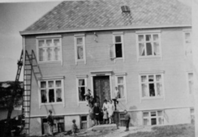 En av stedene Kaspara bodde på - Skjærvaveien 2 i Kristiansund