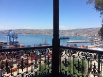 Aussicht auf den Hafen und die Stadt Valparaiso