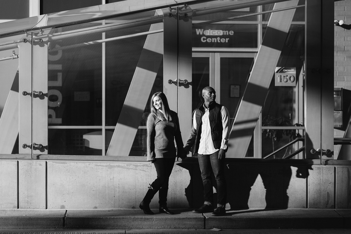 Downtown Cincinnati Engagement Photographers . Tire Swing Photography_0005