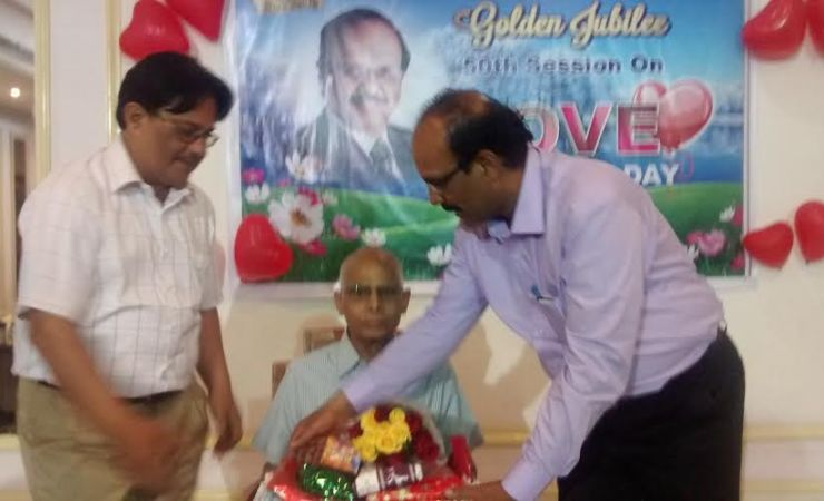 Sriram felicitating his Prof. Sivarama Krishna during a function in Htderabad