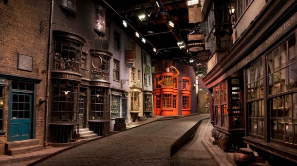 DiagonAlley1