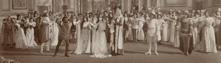 Otello [Photograph of a production starring Joseph Sheehan as Othello, Gertrude Rennyson as Desdemona, Winfred Goff as Iago, Marion Ivell as Emilia, and Charles Fulton as Cassio] [graphic] / Byron Company, N.Y., 1903. Folger Shakespeare Library Digital Image Collection (CC BY-SA 4.0).