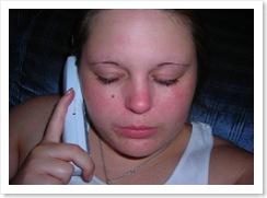 ¿Por qué no contestas el teléfono?