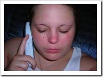 Lloro porque no me quieres contestar el teléfono.