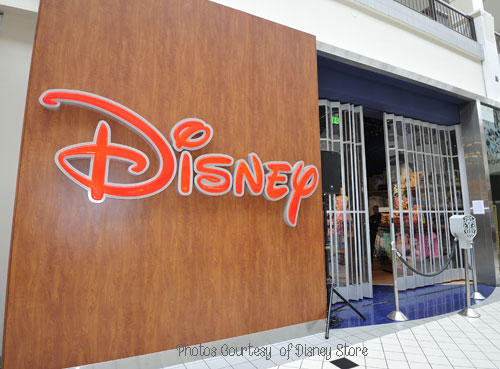 Disney Store Grand Opening , Galleria at Tyler