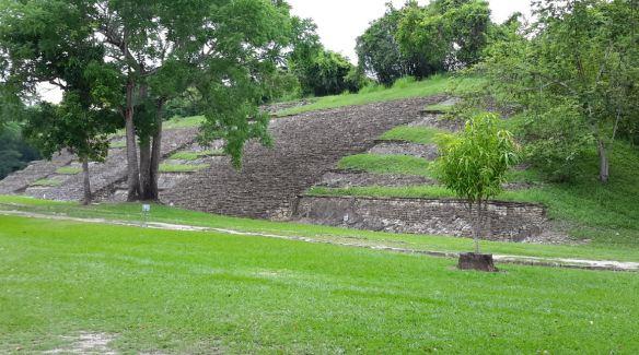 zona-arqueologica-tajin11