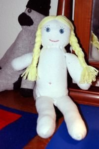 como hacer una muñeca con materiales reciclables