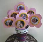 Manualidades de niños para el dia de la madre: flores con retratos