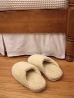 Como hacer pantuflas con unas viejas ojotas y un toallon