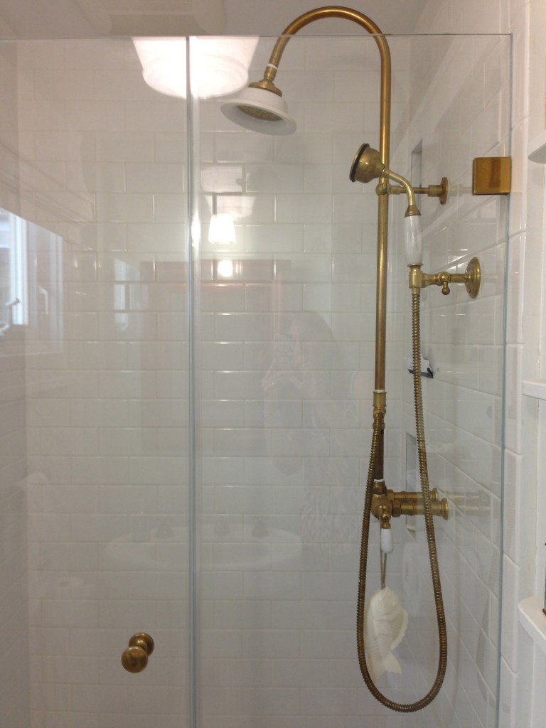 beach house bathroom shower