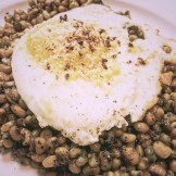 lady peas and fried egg