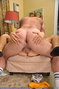 muscle bear dilf