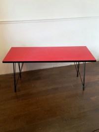 table basse en formica, table de salon vintage, pieds Eiffel