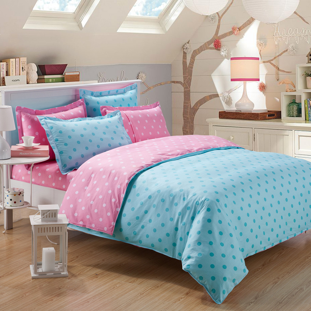 Pink and white polka dot bedding - Download