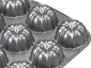Nordic Ware Pro Cast Bundt Brownie Pan