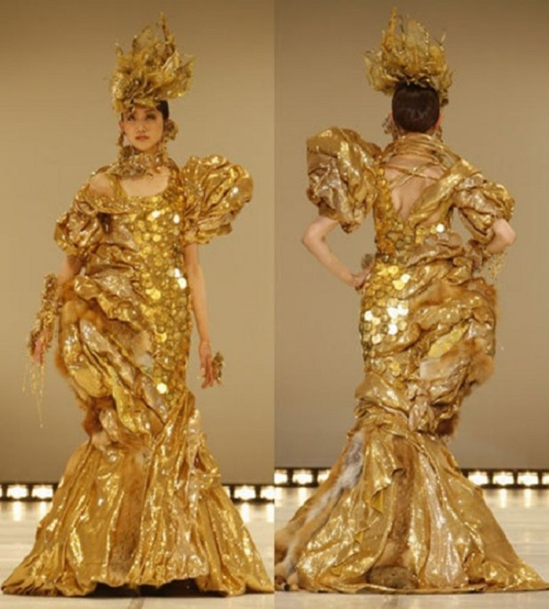 This-dress-is-also-made---by-the-Japanese-craftsman-named-Ginza-Tanaka.-It-is-a-creation-of-gold-color-presented-to-the-public-in-2008.