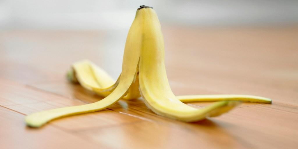 banana-peel-for-acne-scars