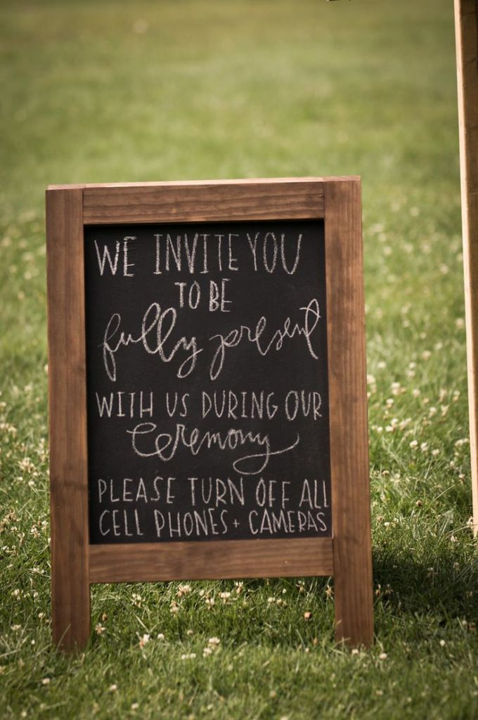 How to Ask Wedding Guests Not To Take Photos