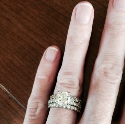 Small Of Engagement Ring Finger