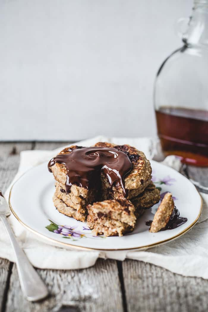 Oatmeal Chocolate Chip Cookie Pancakes for One {vegan + GF} - Izy ...