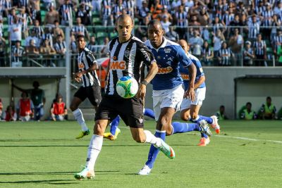 Diego Tardelli teve a principal oportunidade de marcar, mas o clássico ficou mesmo no zero