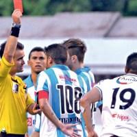 """Gol sofrido e volantes suspensos preocupam Papão no """"mata-mata  do sobe"""""""