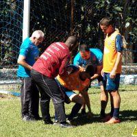 """Osmar dá susto e deixa treino. Daniel Morais: """"Precisamos ter muita paciência"""""""