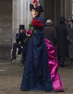 Rachel McAdams as Adler in SHERLOCK HOLMES