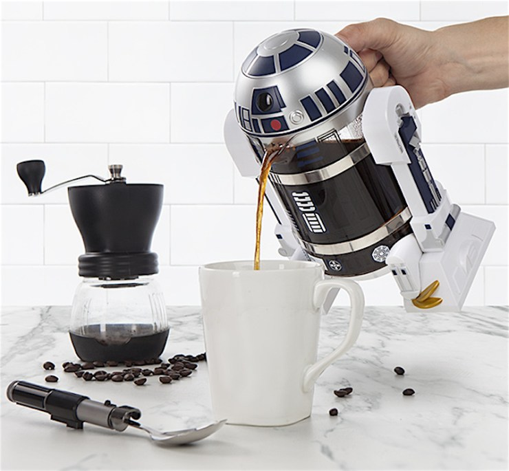 R2-D2 coffee press in action