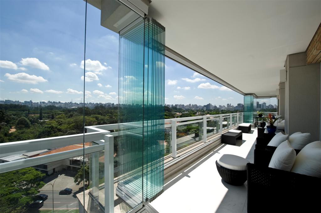 Making the most of amazing views with frameless glass sliding doors