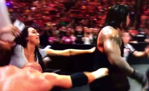 Wallpaper Of Soccer Quotes Watch A Woman Go Crazy For Roman Reigns At Wwe Raw Last