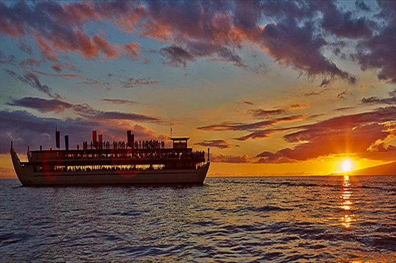 Niagara Falls At Night Wallpaper Hd Alii Kai Sunset Dinner Cruise Honolulu Toursales
