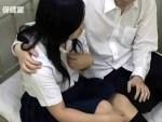 【保健室盗撮動画】性欲抑えれず授業中に学校の保健室に逃げ込みセックスする黒髪女子校生を隠し撮り…