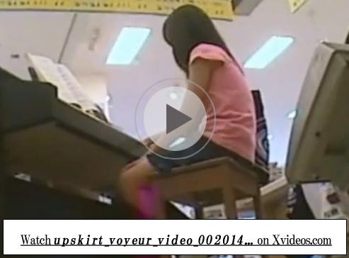 【JSパンチラ盗撮動画】おもちゃ売り場で遊ぶ女の子を隠し撮りしたガチ個人流出…綿パンツを逆さ撮りww