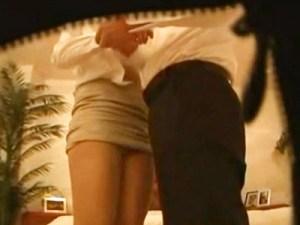 【枕営業盗撮動画】不動産営業のタイトスカートOLが成果上げるため顧客に身体を売る姿が流出…