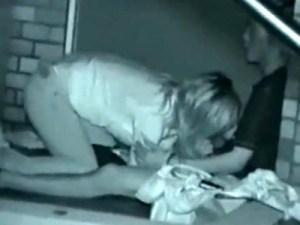 【赤外線カメラ盗撮動画】絶倫彼氏…中出しで一発出した後にフェラ強要する素人カップルを青姦隠し撮りww