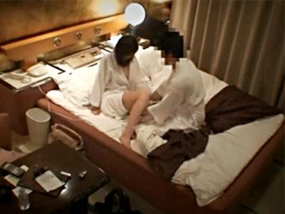 【ラブホ盗撮動画】W不倫をする妻子持ち、新婚妻を調査…ラブホテルで探偵のヤリ過ぎた隠し撮りww
