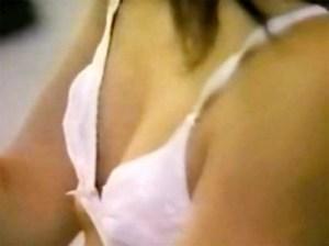 【身体測定盗撮動画】膨らみかけの胸が本当にヤバい流出映像…ブルマJCが保健室で着替え隠し撮りww