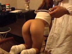 【病院盗撮動画】泌尿器科医師が生理中のギャル女子校生の局部を隅々までチェックを隠しカメラ撮りww