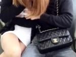 【Vine裏垢動画】パンツ見える寸前の新幹線でイチャつくカップルを隠し撮りしてVine流出ww