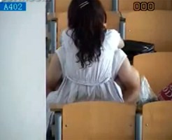 【学校隠撮動画】大学の講義室で着衣セックスをする韓国の男女…スマホカメラで隠し撮り流出ww
