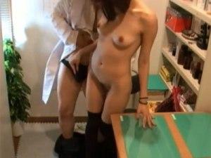 【SEX隠撮動画】医療費払えない巨乳女性に金を立て替えて援助交渉する悪徳医師の隠し撮り映像ww