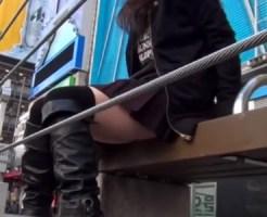 【パンチラ隠撮動画】大阪心斎橋の商店街で見かけたミニスカ素人ギャルたちのパンツを次々隠し撮りww