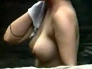 【露天風呂隠撮動画】神スタイルの素人女性を発見ww当然ながら温泉内で美巨乳丸出しの女を隠し撮りww