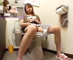 【トイレオナニー隠撮動画】自宅の洋式トイレに座ってオシッコ後に自慰行為をする妹を隠しカメラ撮りww