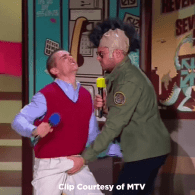 Zac Efron And Dave Franco Get A Hefty Handful Of Each Other At The 2015 MTV Movie Awards: WATCH